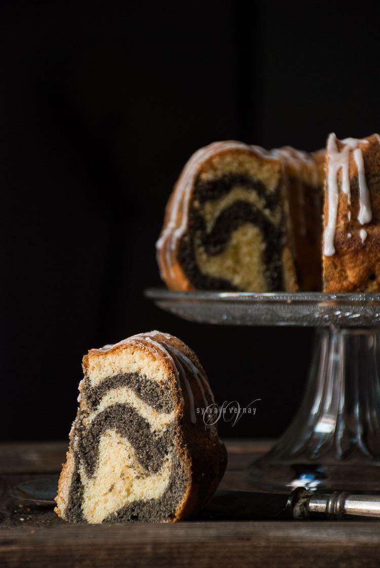 Bundt cake limón sésamo negro